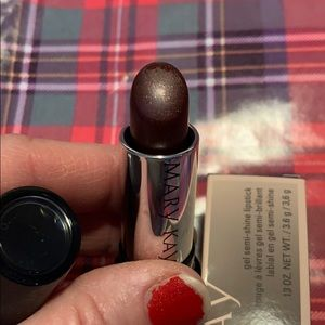 Mary Kay Gel Semi-Shine Lipstick in Berry Couture.